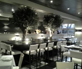 Restaurante Ataclub mesa grande Te Veo en Madrid