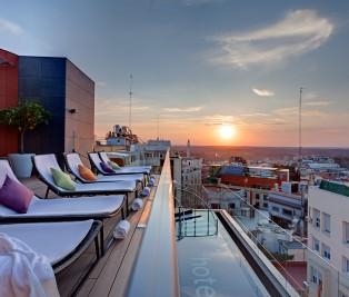 Sky Lounge Hotel Indigo Te Veo en Madrid