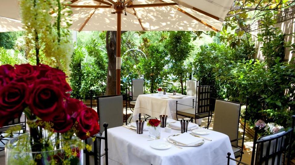 Hotel villamagna la terraza m s elegante te veo en for Restaurantes con terraza madrid