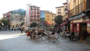 siete-planes-para-salir-en-madrid-la-latina-plaza-te-veo-en-madrid.jpg
