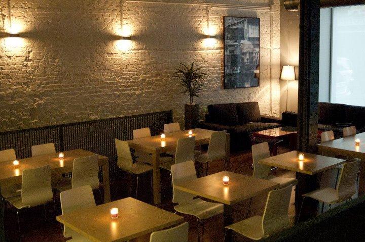 la parecelita restaurante con velas de noche te veo en madrid