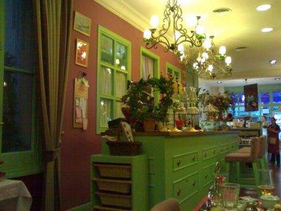 living in london salon de te madrid