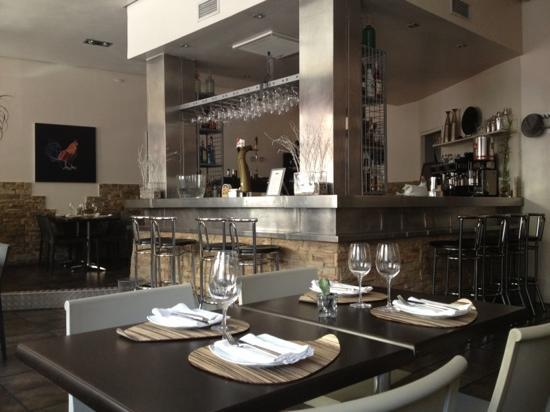 Restaurante metro bistro esquina comedor