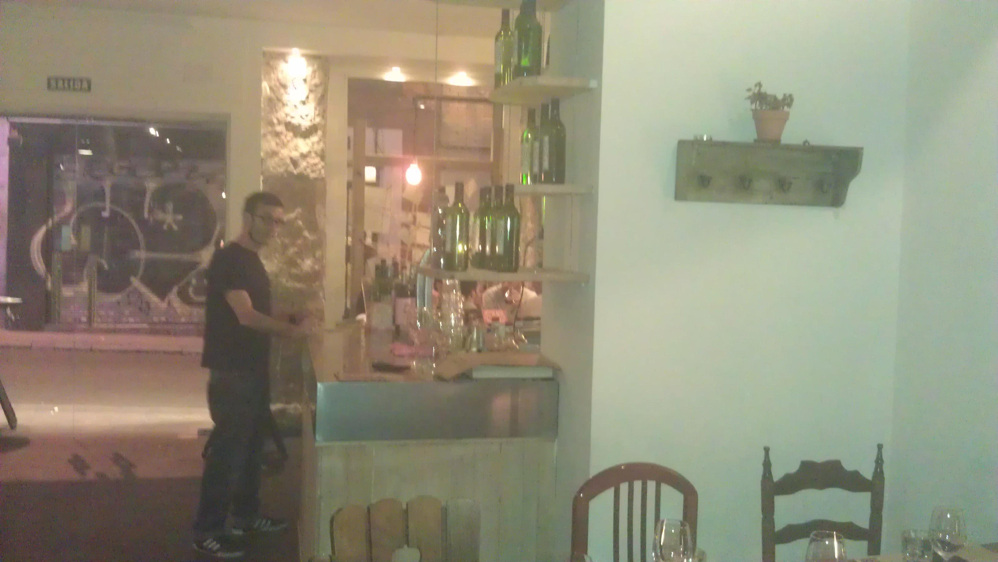 Juan & Juan Restaurante Madrid esquina barra