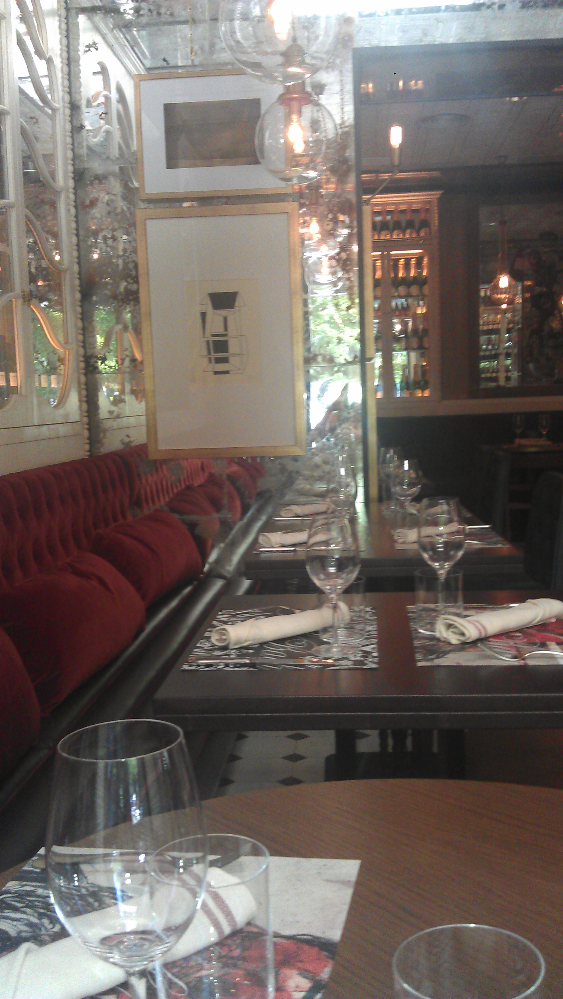 Restaurante Punk Bach lateral comedorTe Veo en Madrid