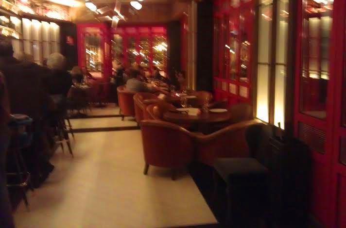 Restaurante Martinete zona de sofás Te Veo en Madrid