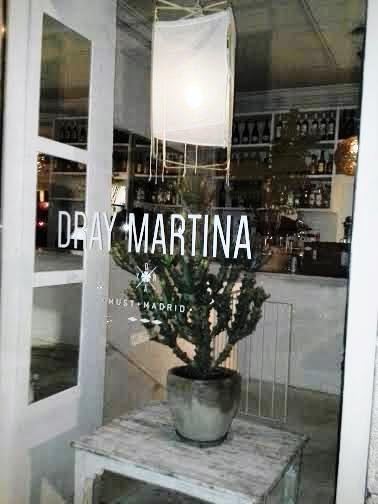 Restaurante Dry Martina desde la calle Te Veo en Madrid