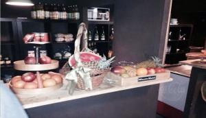 Mercado de la Ribera puesto de frutas Te Veo en Madrid