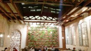 Bar restaurante Sky Madrid patio cubierto