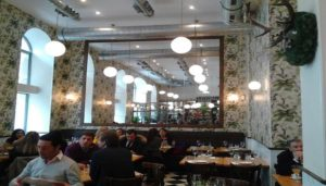 Restaurante-Velazquez-17-Te-Veo-en-Madrid-comedor.jpg