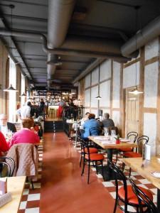 Restaurante La Entretenida Grupo Oter comedro general Te Veo en Madrid