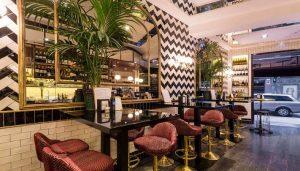 restaurante_toque_de-_sal_mesas_zona_de_barra_te_veo_en_madrid.jpg