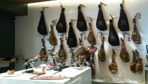 restaurante_cinco_jotas_cortador_jamon_te_veo_en_madrid