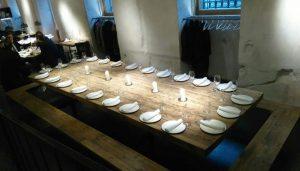 restaurante_fismuler_mesa_larga_te_veo_en_madrid.jpg