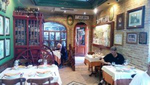 restaurante_cruz_blanca_vallecas_comedor_te_veo_en_madrid.jpg