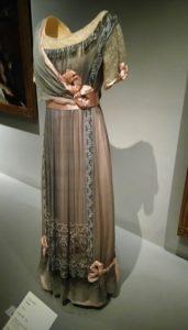 exposición-sorolla-y-la-moda-vestido-museo-thysse-te-veo-en-madrid