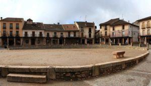 pueblos-rojos-plaza-riaza-te-veo-en-madrid.jpg