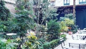 el-mejor-beso-de-madrid-cafe-del-jardin-museo-romantico-te-veo-en-madrid.jpg