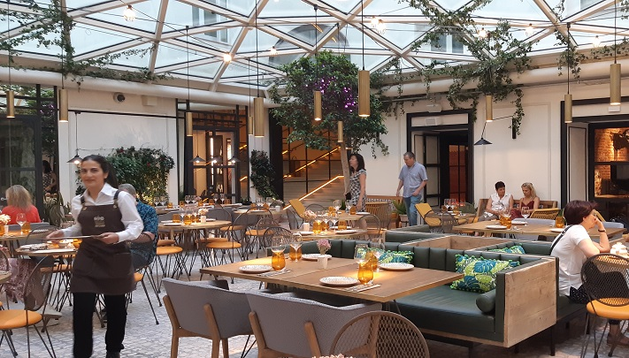 Terraza Restaurante Hotel Pestana En El Corazon De Madrid Te Veo En Madridte Veo En Madrid Blog Con Recomendaciones Para Salir En Madrid Restaurantes Moda Ambientes Con Encanto Mucho Mas