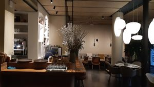 restaurante-tagomago-barra-sala-te-veo-en-madrid.jpg