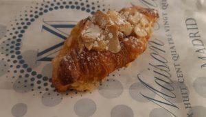 restaurante-maison.melie-croissant-almendras-te-veo-en-madrid.jpg