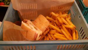 restaurante-la-sanducherie-barra-te-veo-en-madrid.jpg