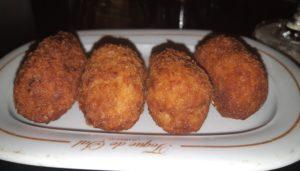 Las-mejores-croquetas-pollo-al-curri-toque-de-sal-te-veo-en-madrid.jpg