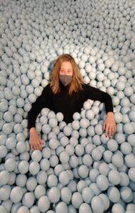 ikono-galeria-de-arte-bolas-te-veo-en-madrid.jpg