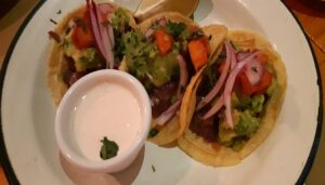 restaurante-los-porfiados-tacos-sala-te-veo-en-madrid.jpg