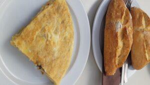 los-mejores-pinchos-tortilla-el-dos-de-la-reina-te-veo-en-madrid.jpg