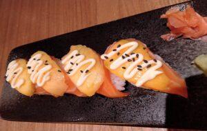 restaurante-soi-noodle-niguiri-de-salmon-te-veo-en-madrid.jpg