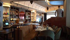 restaurante-la-fonda-lironda-barra-te-veo-en-madrid.jpg
