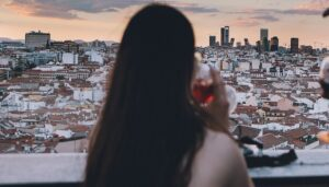 las-emjores-terrazas-azotea-ella-sky-bar-te-veo-en-madrid.jpg